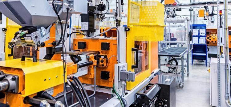 Edge computer MICA: dialogando con máquinas de moldeo por inyección